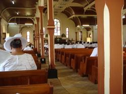 Wie sich die Kolonialgeschichte Samoas im Sonntagsgottesdienst widerspiegelt