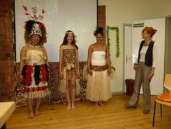 Pazifische traditionelle Kleidung